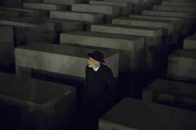 Rabbi inside Holocaust Museum, Berlin