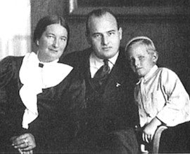Hans Frank, his wife Brigitte and son Niklas